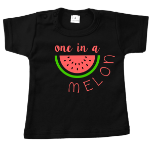 t-shirt one in a melon zwart