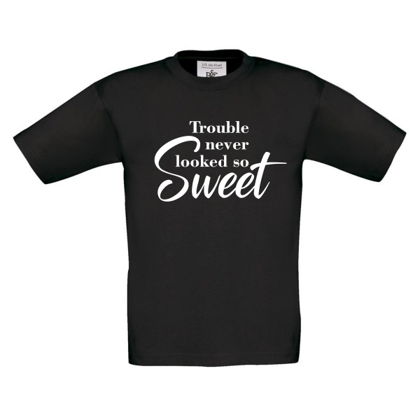 t-shirt trouble never looked so sweet zwart